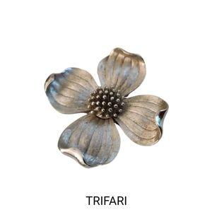 VTG Trifari Dogwood flower 🌻 brooch